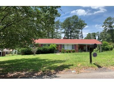 3 Bed 1.5 Bath Preforeclosure Property in Columbia, SC 29204 - Mockingbird Rd