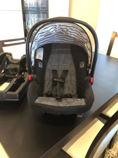 Graco quick connect car seat for newborns to one year