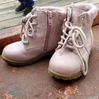 Cute toddler girls size 10 pink boots