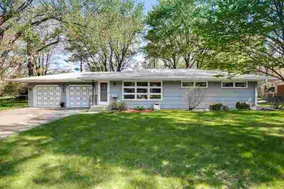 14912 Belvoir Drive MINNETONKA Three BR, this is one great