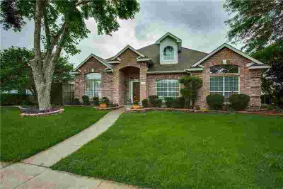 2801 Covington Drive GARLAND, It's a beautiful house with 3
