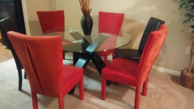 Beautiful Heavy Glass Dining Table with Chairs