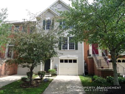 Wonderful middle-of-group townhouse in Laurel