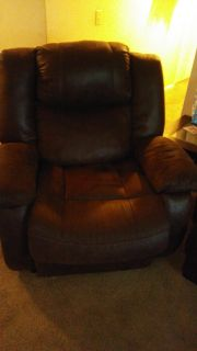 LOOKING TO RELAX. BIG BOY RECLINER.