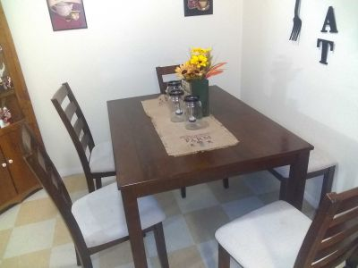 Dinette set four chairs and bench