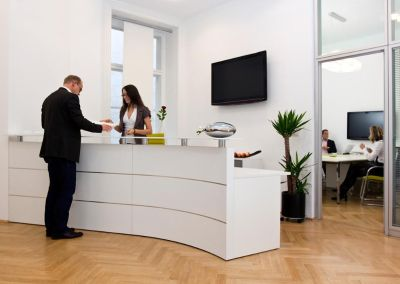 OFFICE AND RECEPTION JOBS