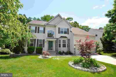 14 Oakhurst Ln Mount Laurel Township, UPGRADES GALORE!
