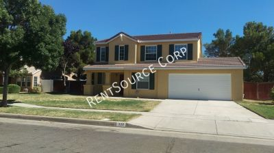 4 Bedroom Home For Rent in Palmdale!