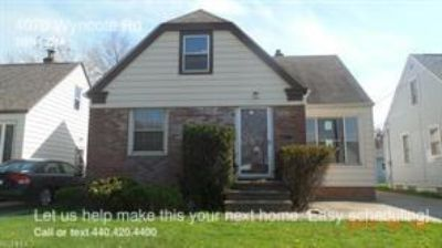 3 BR Cape Cod in South Euclid with sun room