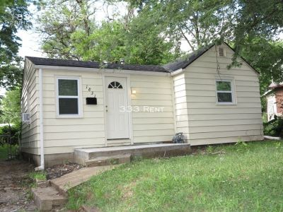 This homey two bedroom house is ready for you to move in today!
