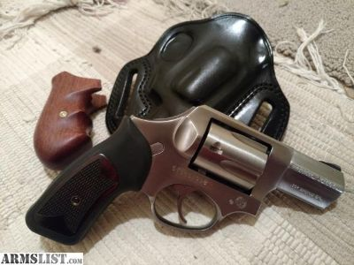 For Sale/Trade: SP101 bobbed with two grips and leather holster