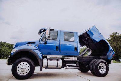 2006 INTERNATIONAL 4X4 CXT BIG BLOCK