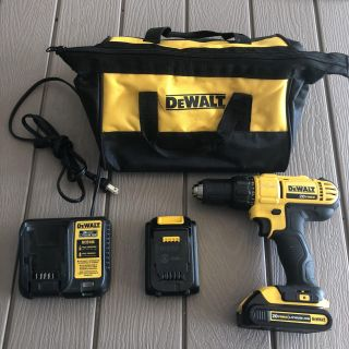 GUC works great DeWalt 20V max DeWalt lithium ion cordless drill with charger, 2 batteries, and bag- PRICE FIRM AND FINAL