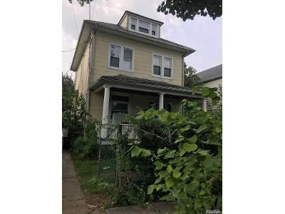 4 Bed 2 Bath Foreclosure Property in Queens Village, NY 11429 - 215th St