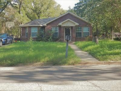 3 Bed 2 Bath Preforeclosure Property in Waco, TX 76705 - Idylwood Ln