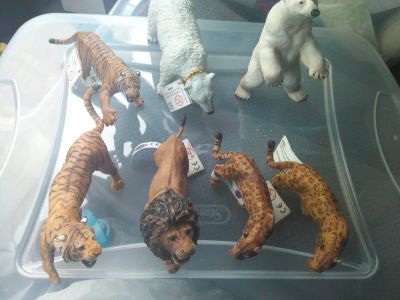 papos animal figurines collectibles