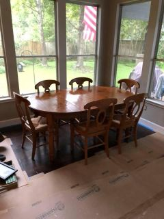 Pottery Barn Table w/6 Chairs