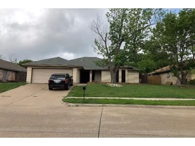 3 Bed 2 Bath Preforeclosure Property in Arlington, TX 76001 - Aires Dr