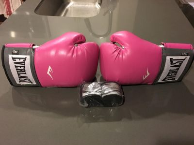 Everlast women s boxing gloves and wraps