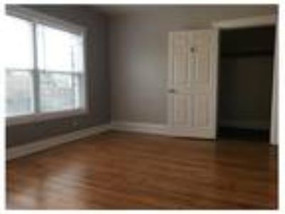 RARE One BR in Detroit Shoreway