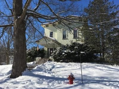 4 Bed 1.5 Bath Foreclosure Property in Gloversville, NY 12078 - Broad St