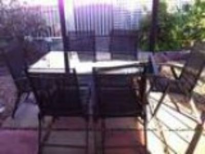 Outdoor dinning set table plus chairs (pick up )