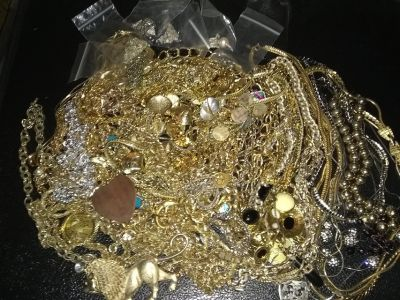 80 vintage necklaces all wearable some signed!