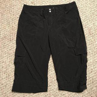 NWOT WOMANS EXTREMELY LIGHT WEIGHT ATHLETA CAPRIS