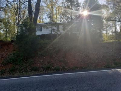 3 Bed 1 Bath Foreclosure Property in Covington, GA 30016 - Lovers Lane Rd