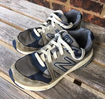 New Balance sneakers- Boys Size 10.5 - Used