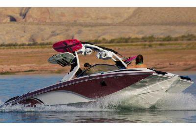 $75,000, 2015 Centurion Enzo FS44 SkiWakeboard Boats