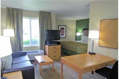 1 bedroom Apartment - Enjoy a furnished exceptional price with FREE utilities. Pet OK!