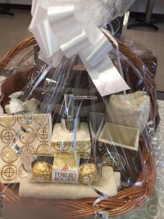 customized gifts baskets
