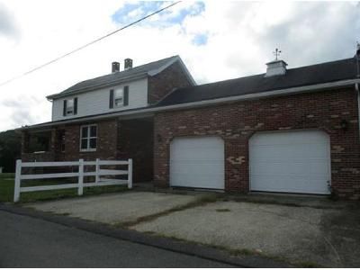 3 Bed 1 Bath Foreclosure Property in Leechburg, PA 15656 - 6th St