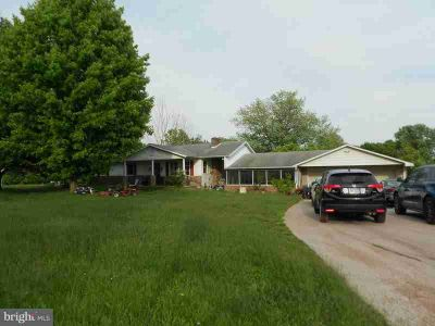 695 Kohler School Rd New Oxford Three BR, Home is in rough shape.
