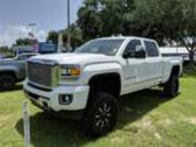 Used 2015 GMC Sierra 2500HD Summit White, 32.1K miles
