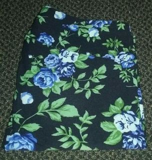 $15 Firm Euc Lularoe leggings size TC only used once Black with blue roses