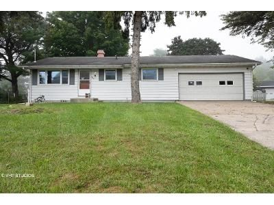 3 Bed 1 Bath Foreclosure Property in Three Rivers, MI 49093 - S Constantine St