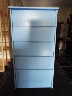 Dresser*5 Drawers*Like New*Handle Less*