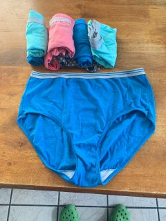 NWT 3.00 size 7 Fruit of the Loom s eight pairs