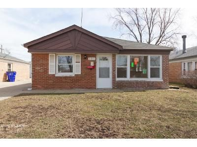 3 Bed 1 Bath Foreclosure Property in Alsip, IL 60803 - S Troy Dr