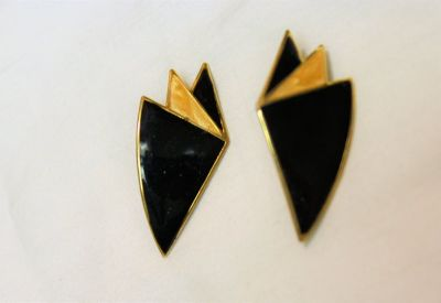 Vintage Gold Tone Black 80s Geometric Enamel Clip On Drop Dangle Earrings