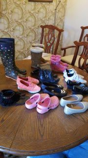 Little girls shoes size 12/13