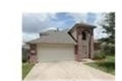 House for rent in Baytown. Parking Available!