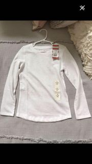 NWT Cat and Jack small 6/6x Top. $3.50