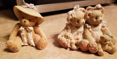 2 Collectable Bears
