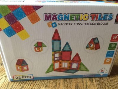 New boxes set of magnetic tiles