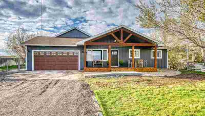 2801 Dove Rd GILLETTE Four BR, Beautiful ranch style home on an