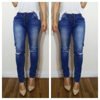 High Waisted Ripped Knee Jeans size 5