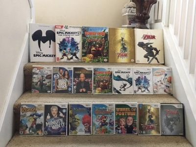Lot of 13 Nintendo Wii Games (and some Guides)